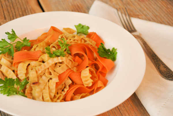 soy_bean_pasta_with_carrots_1
